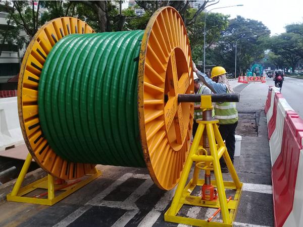 電訊纜安裝及擴建電訊網絡的工程服務
